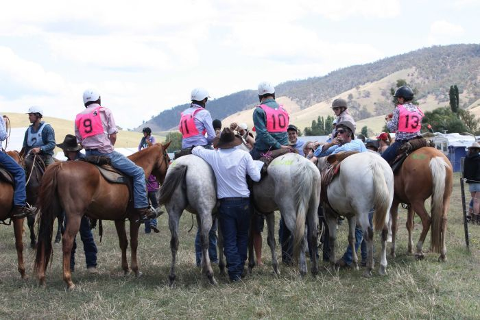 Mountain Cattlemen prepare to compete at Omeo.