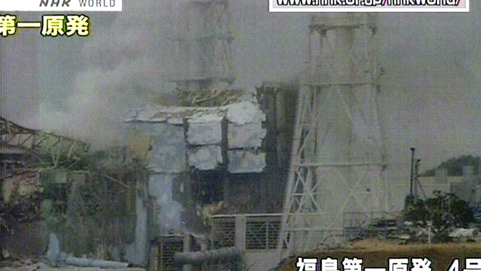 Explosion hits reactor No. 4