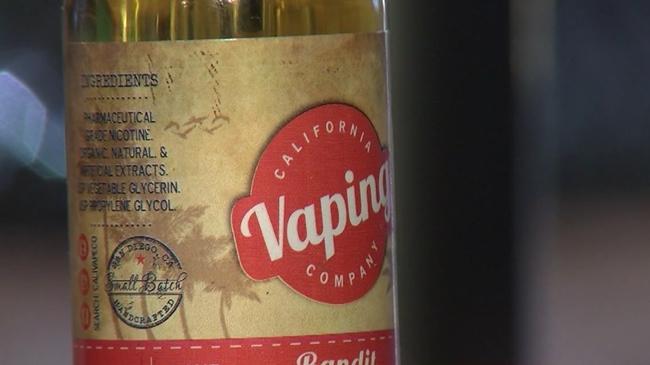 vaping_ecigarette_519921