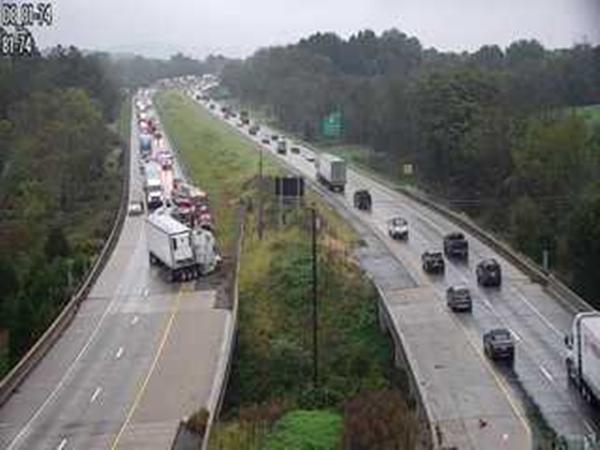 Crash slowing I-81 South traffic at Manada Hill