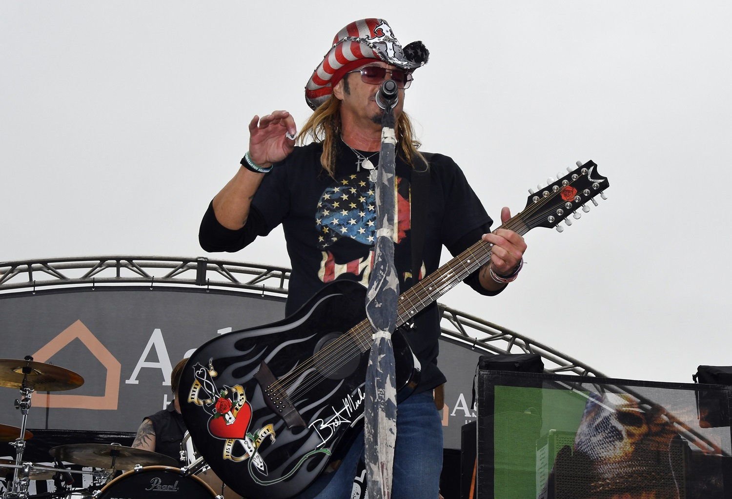 Bret Michaels says father has passed away | ABC27