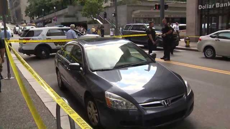 2 women stabbed, 1 fatally, at downtown Pittsburgh bus stop | ABC27