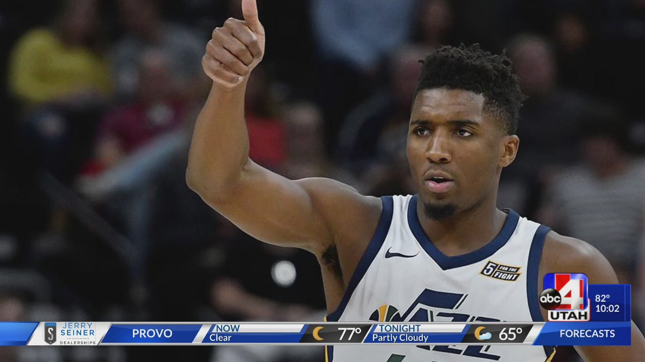 Donovan_Mitchell_Pays_for_Fans_Phone_Rep_0_20180803041127