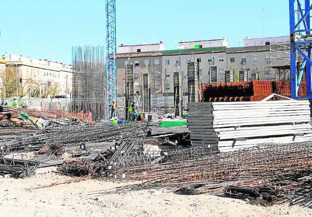 Parados de Tres Barrios-Amate trabajarán en la nueva barriada