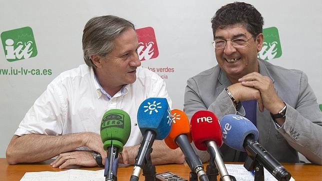Valderas admite que hay que adecuar la administración «paralela» de la Junta