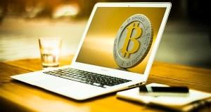 Pagare in Bitcoin, Stripe sospende uso criptovaluta, addio o arrivederci