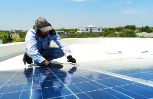 Investimenti fotovoltaico, Enel avvia produzione pannelli bifacciali di ultima generazione