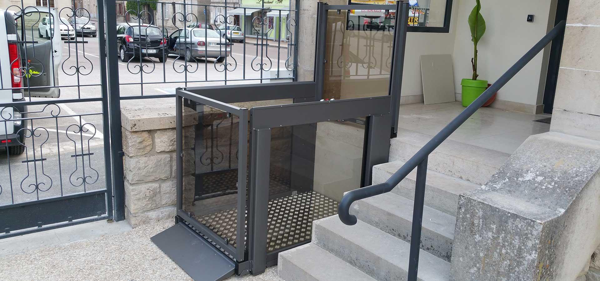 ABC LIFT LE spécialiste en élévateurs PMR plateformes élévatrices ascenseurs PMR en Bourgogne