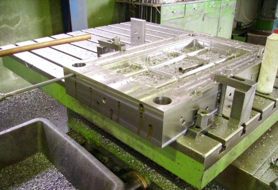ABC Moldes, Lda – Construção do Molde – Furações