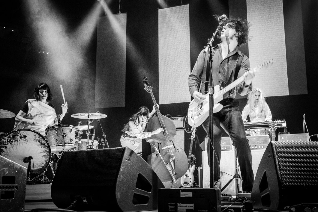 jack_white_oracle_arena_live105_nssn2