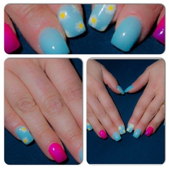 Sky blue nails white daisies