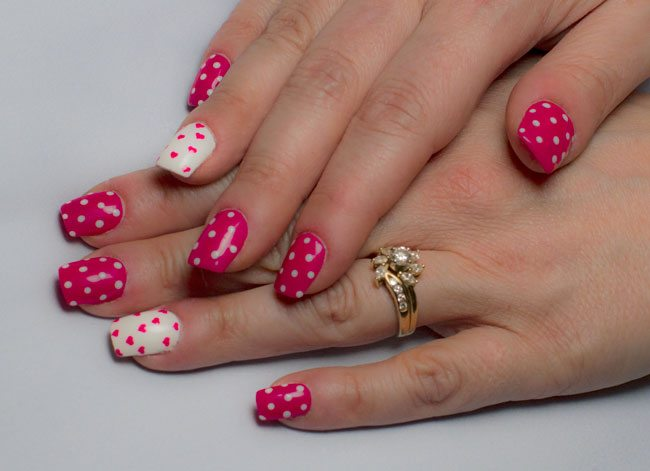 Pinkpolkadot and heart nails