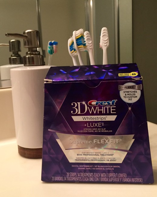 Crest 3D Whitestrips Flexfit