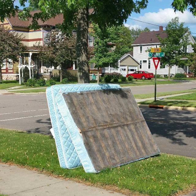 get-rid-of-an-old-mattress