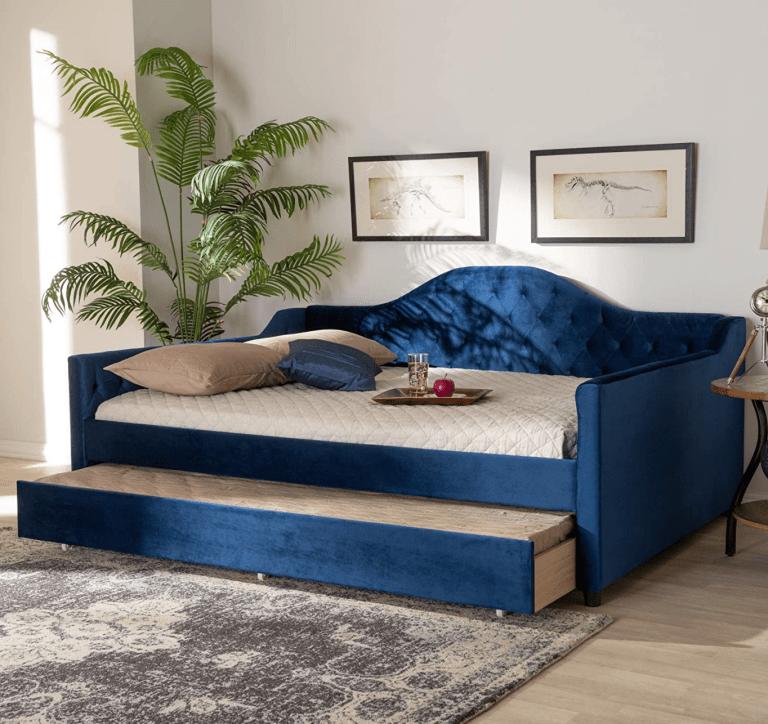 queen-size-daybed-velvet-blue