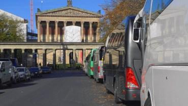 Protest gegen Reisebusse auf der Museumsinsel