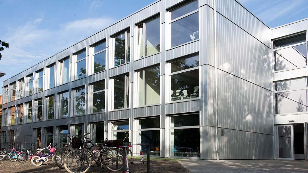 Berlin-Lichtenberg: Die Holzschule ist eröffnet