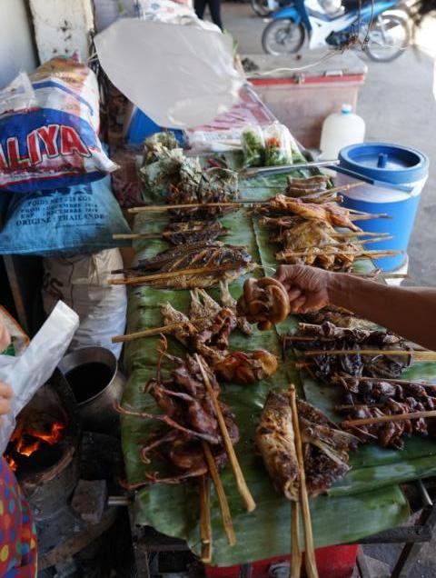 Laos Morgenmarkt, Flusskreuzfahrt mit der Mekong Pearl in Laos