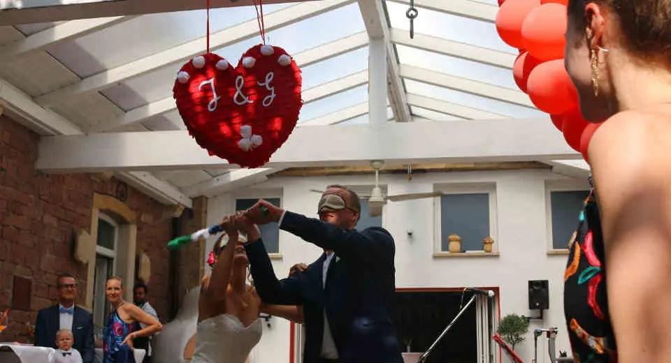 Diy Pinata Herz Basteln Zur Hochzeit Hochzeits Pinata Pinata