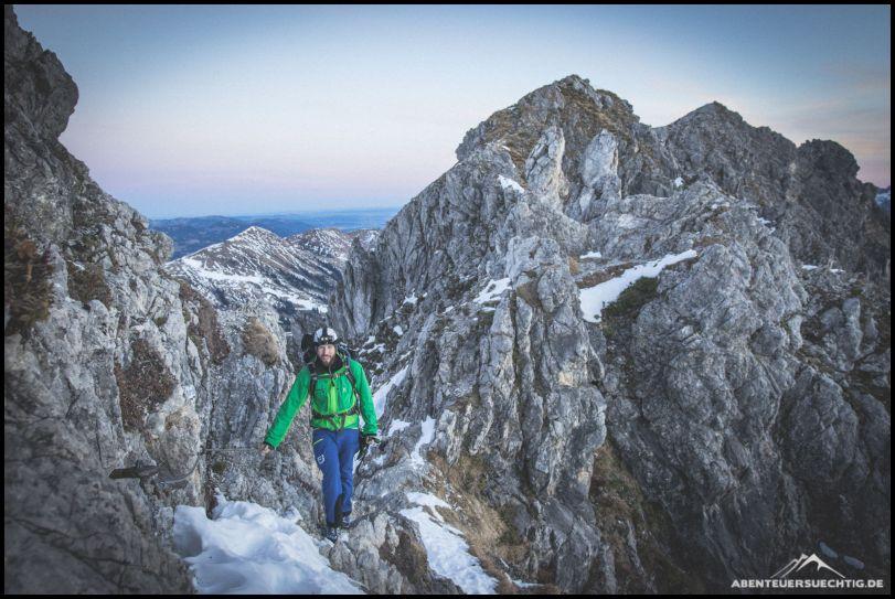 Für eine Winterbegehung liegt auf dem Mindelheimer Klettersteig etwas wenig Schnee