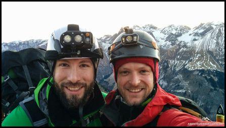Kurz vor dem Einstieg in den Mindelheimer Klettersteig noch ein Teamfoto