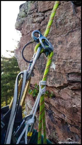In einem Kletterkurs sollte man so wichtige Dinge wie eine Kursprusik lernen.