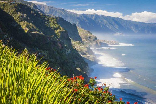 Wandern auf der Blumeninsel Madeira.