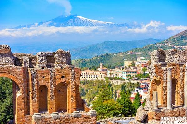 Wuchtige Vulkane und jahrtausendealte Geschichte im Süden Italiens