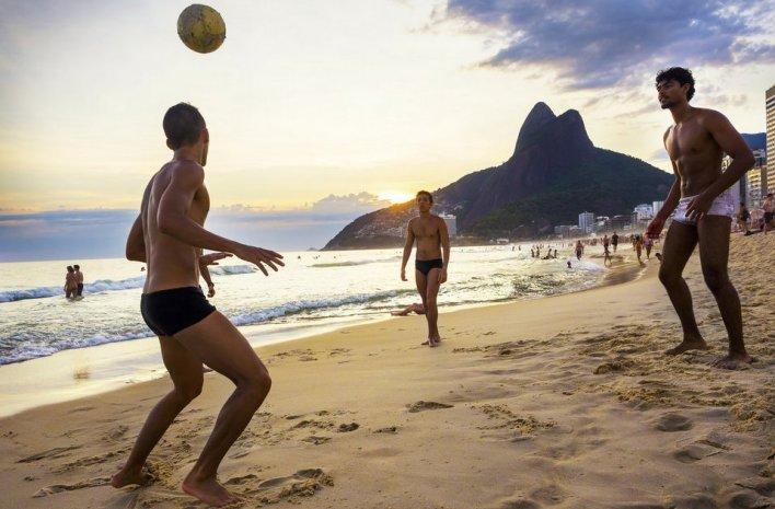 Altinha na praia no Rio de Janeiro