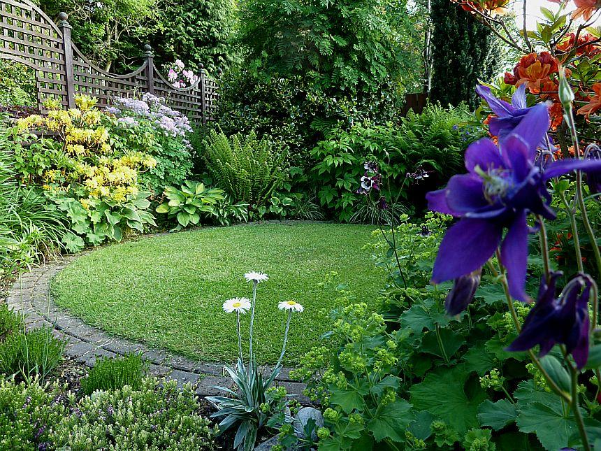Looking back at aberdeen gardening for Circular garden designs