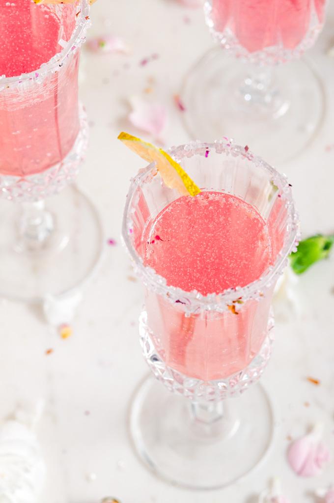Лето в бокале: малиновый коктейль