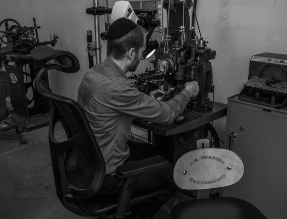 Made In Los Angeles: Inside The J.N. Shapiro Watches Workshop Featured Articles