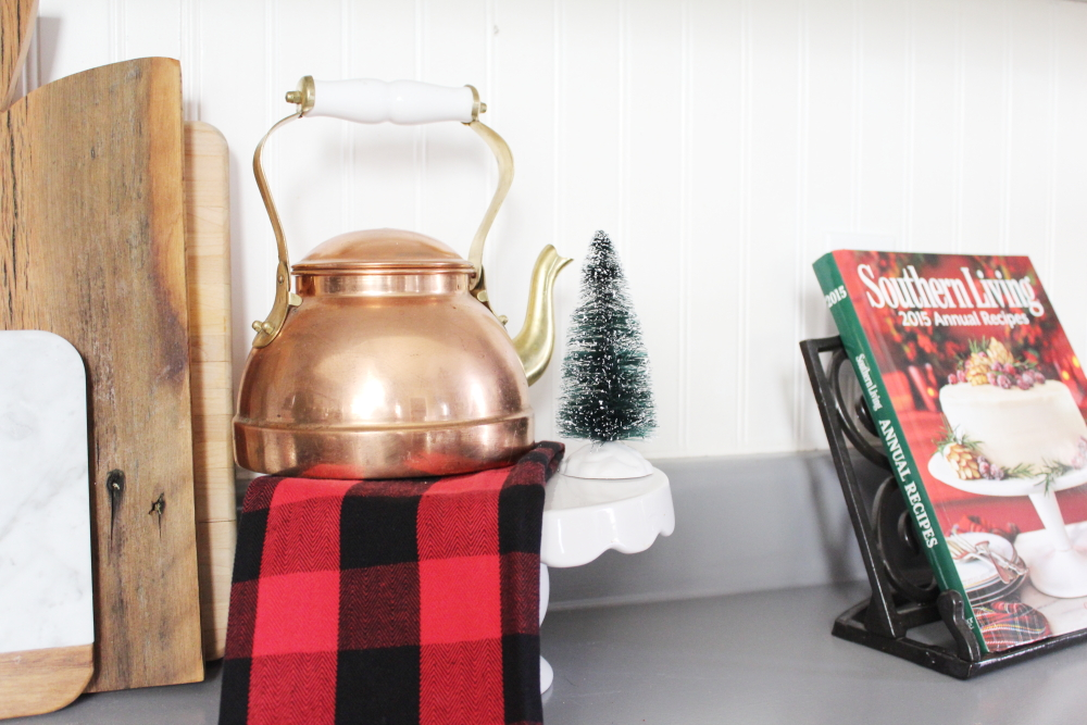 Rustic Farmhouse Christmas Home Tour | A Blue Nest