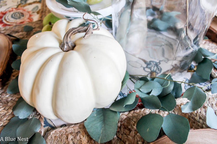 white pumpkin, tablescape, farmhouse, Thanksgiving