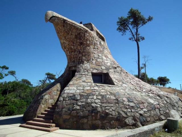 Man kann hier wirklich bauen wie man möchte - El águila Atlantida