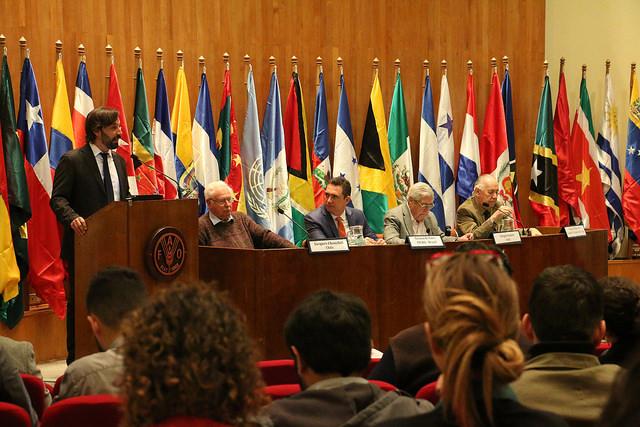 Vertreter der lateinamerikanischen Staaten und der FAO in Santiago de Chile.