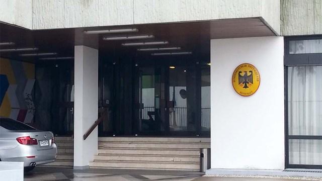 Eingang Botschaft
