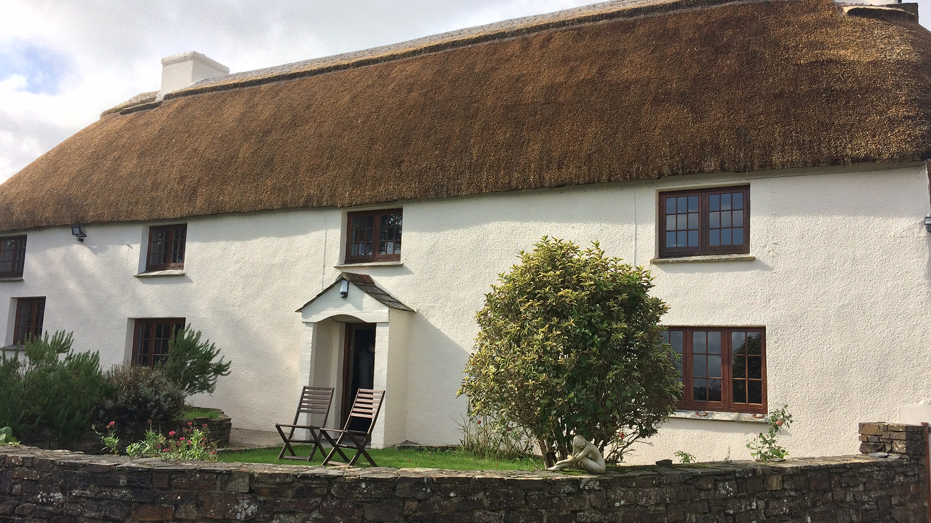 Thatched Cottage – Air source heat pump and radiators