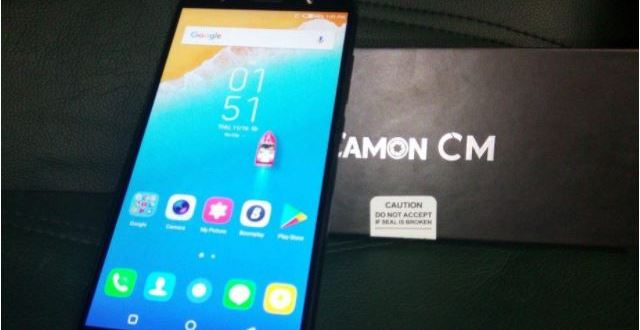 Comparatif mobile Tecno Camon CM vs Samsung J7 2017
