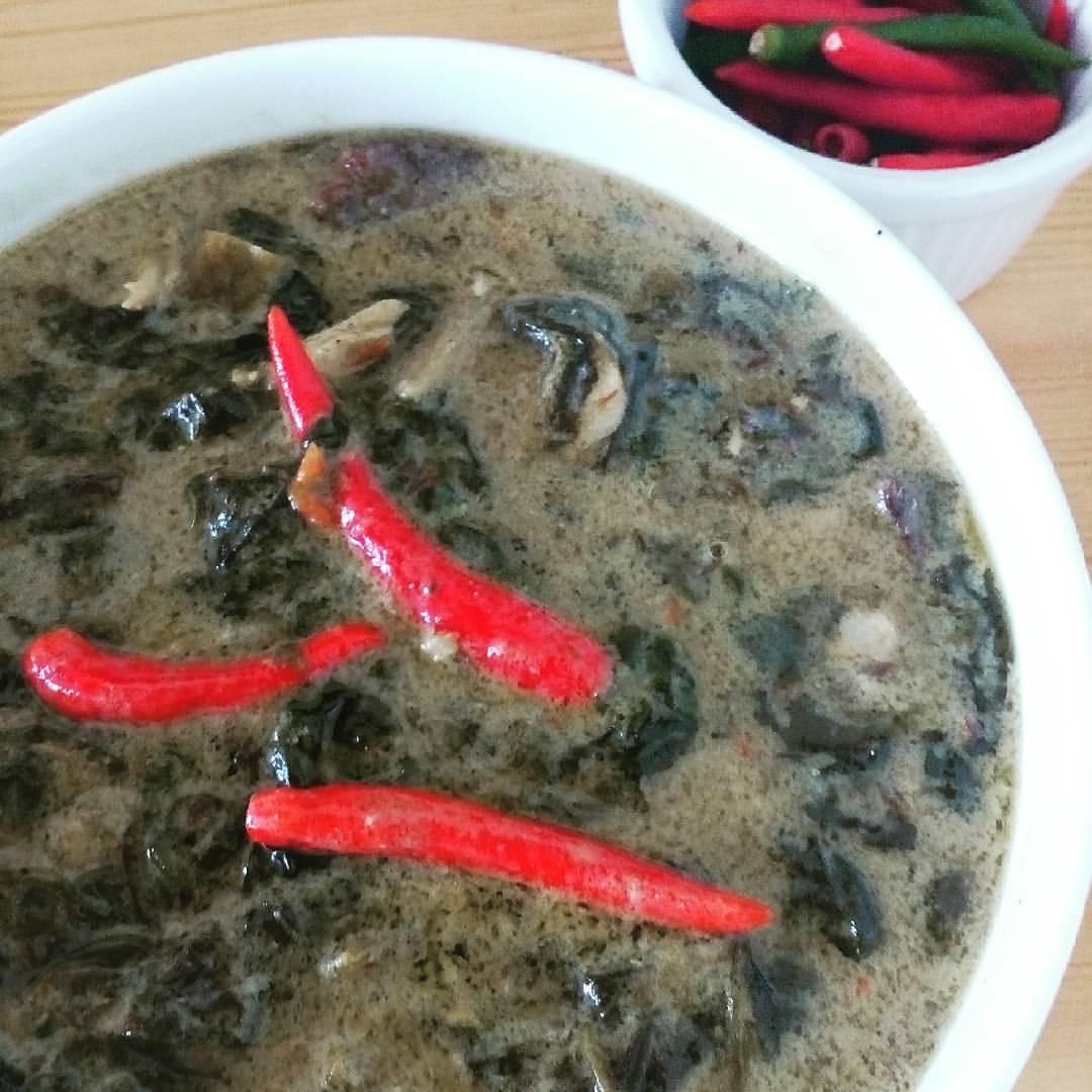 Filipino dish laing