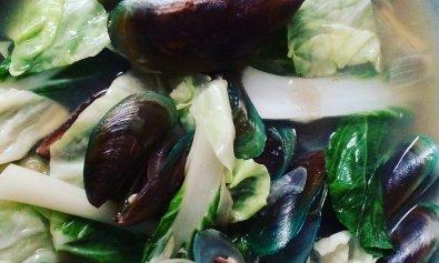Nilagang Tahong (Boiled Mussels)