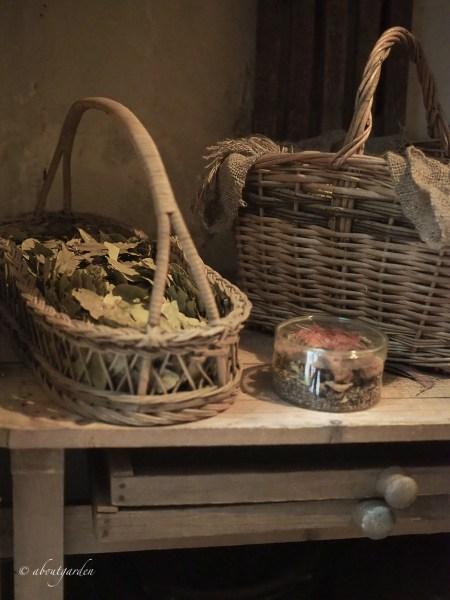 vecchi cestini da giardino