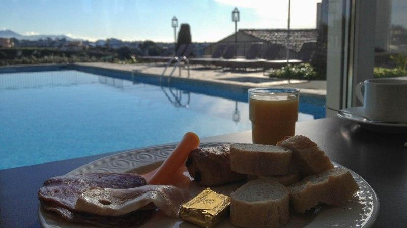 hotel domain cocagne frühstück pool
