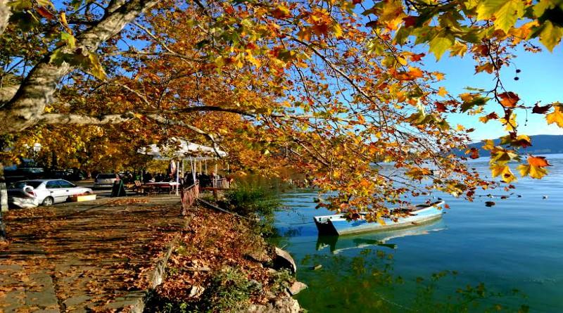 Η Καστοριά το Φθινόπωρο μοιάζει με πίνακα ζωγραφικής ...