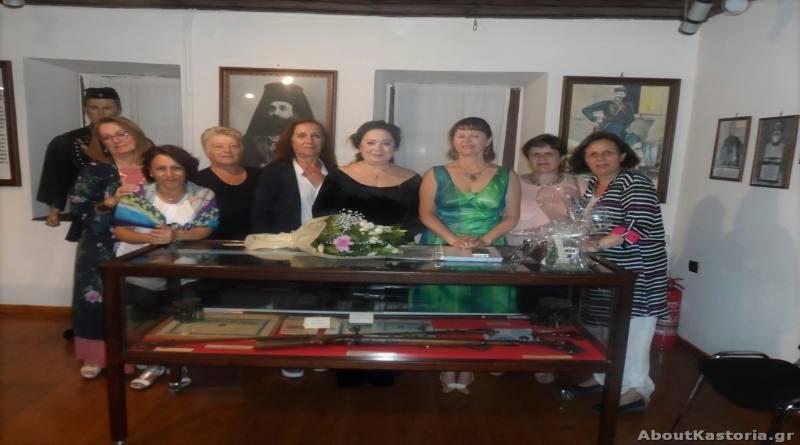Καθήλωσε ο θεατρικός μονόλογος της Μελίνας Μποτέλλη στην Καστοριά