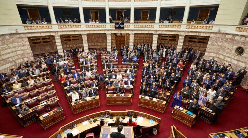 Οι «τύποι» μελλοντικών υποψηφίων βουλευτών που κυκλοφορούν τώρα στην Καστοριά