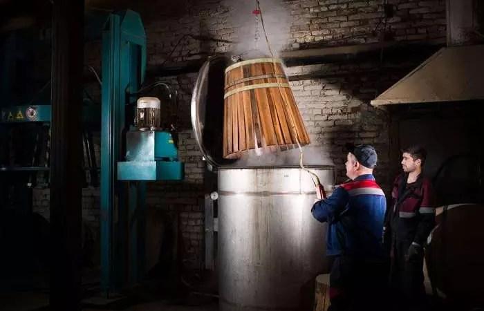«Фанагория» запускает производство бочек из французского и американского дуба