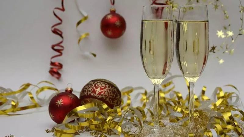 Игристые вина: к Новому году эксперты ожидают подорожания