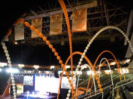 Giant leaping arches filled Thompson Boling arena for UT graduation