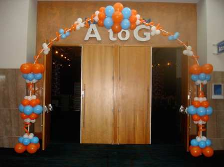 Guests at Salute to Lady Vols entered through a fun abstract arch